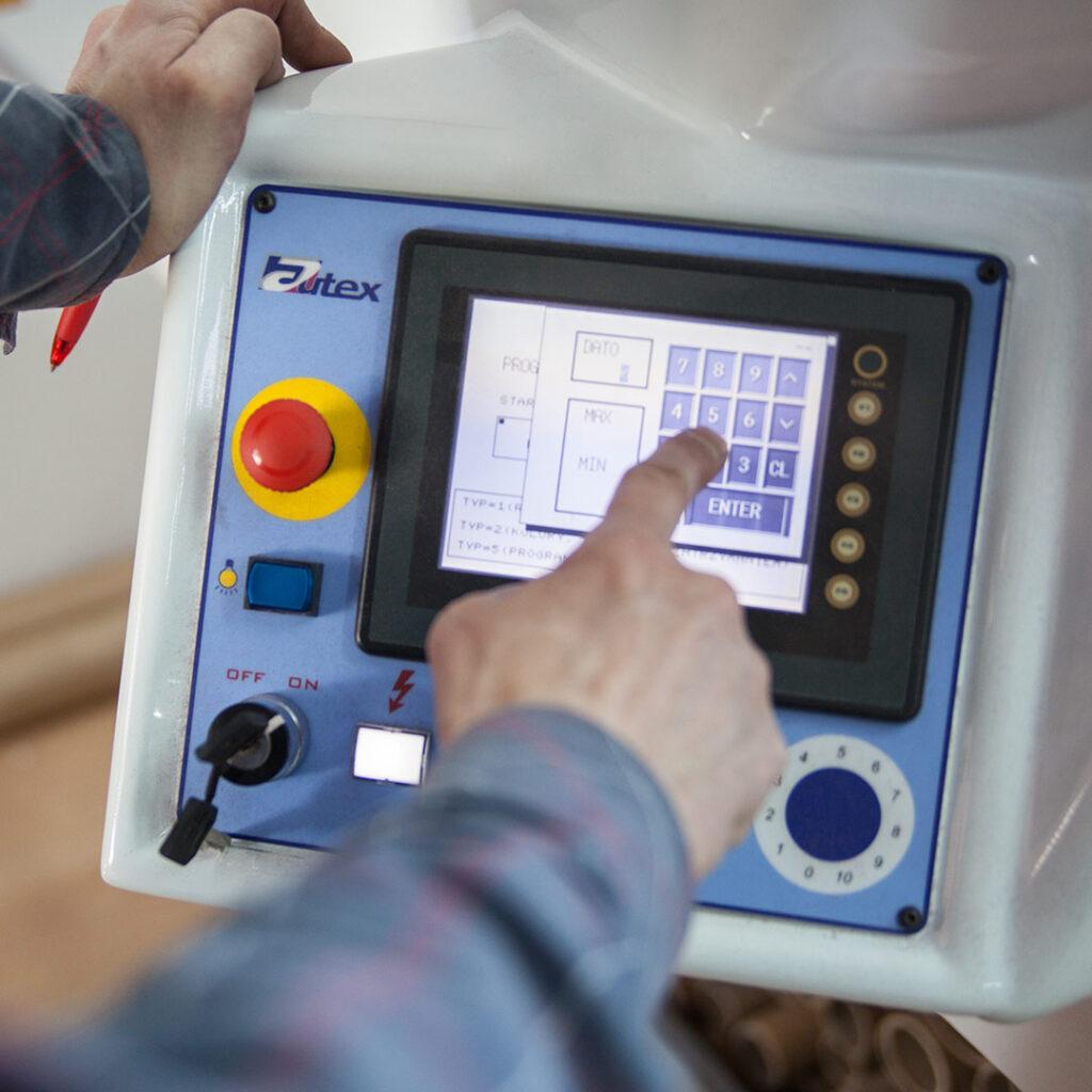 Operator maszyny do tkanin